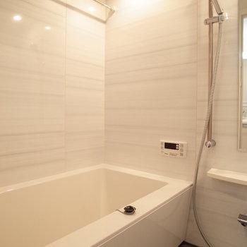 高級感のあるお風呂!※写真は9階の同間取り別部屋のものです