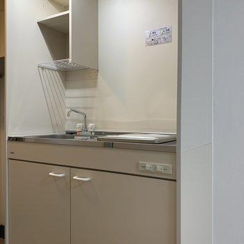 収納スペースつきのキッチン