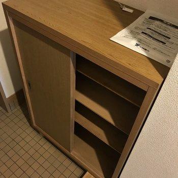 シューズBOXは小さめ。必要だったら買い足しましょ!※写真は3階の反転間取り別部屋、一部工事中のものです