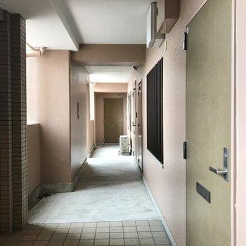 共用廊下はお掃除もしっかりされていました!