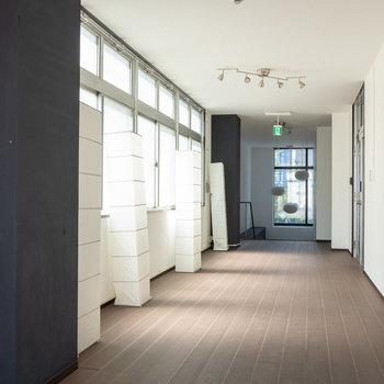 共用廊下まで綺麗になっています。