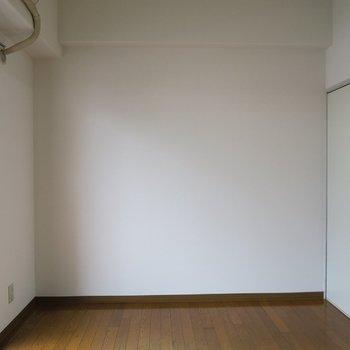 シンプル、うん、シンプル。※写真は7階の同間取り別部屋のものです