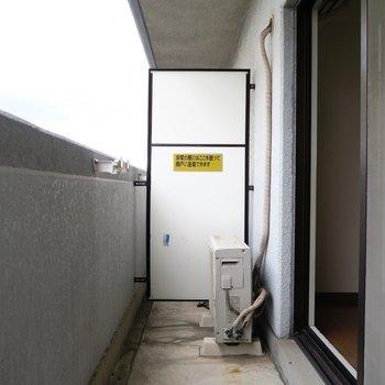 ベランダにはゆとりがあります。※写真は7階の同間取り別部屋のものです