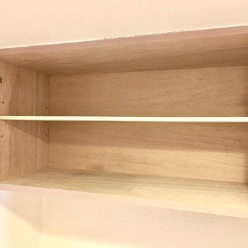 シューズボックスは上下に分かれていて、これは上段。