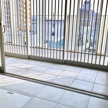 ここが玄関。格子戸を閉めておけばオープンスペースとしても使えます◎