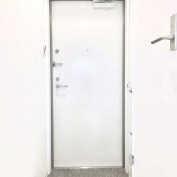 玄関はこんな感じ〜