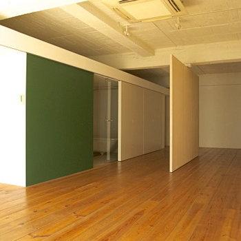 無垢の温もりを感じてください※写真は3階の同間取り別部屋のものです