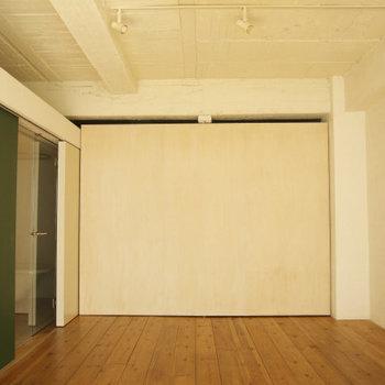 これが回転扉です※写真は3階の同間取り別部屋のものです