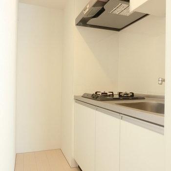 キッチンスペースも※写真は5階の同間取り別部屋のものです