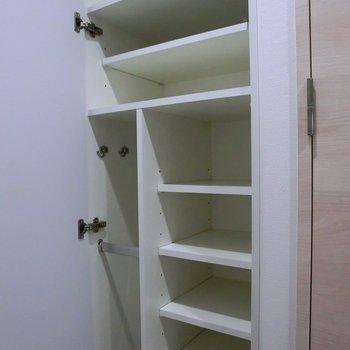 靴箱もちゃんとあります。※写真は2階の同間取り別部屋のものです