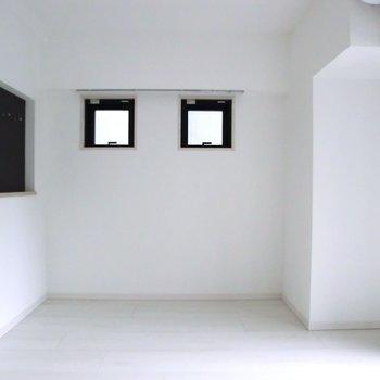 凛としてる〜。※写真は2階の同間取り別部屋のものです