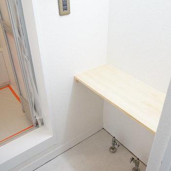 洗面台もこれから!※写真は1階の同間取り別部屋のものです
