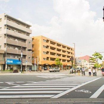 曽根駅徒歩1分! 改札口出てすぐおウチが見えます。