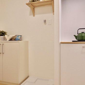 洗濯機パンはキッチンの隣に。