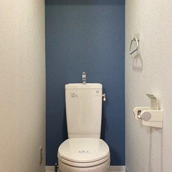 トイレにはアクセントクロス◎