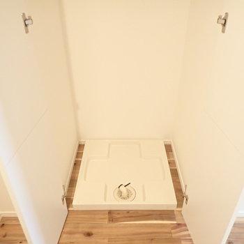 洗濯機は隠す時代です。※写真は7階の同間取り別部屋のものです