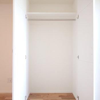 収納も大きめ!※写真は7階の同間取り別部屋のものです