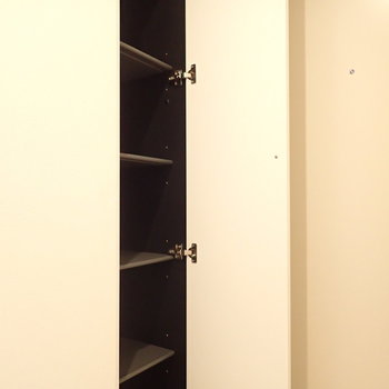 シューズボックスも大容量!※写真は7階の同間取り別部屋のものです