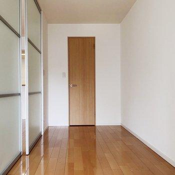 【洋室】壁を閉じてプライベートルームにしても◎