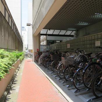 自転車置き場もありますしね
