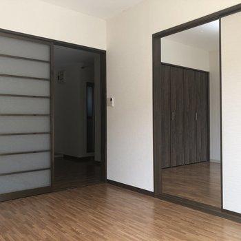 【洋室(左)】それぞれの引き戸を開けてみました。