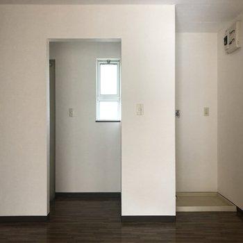 洗濯機置き場はしっかり室内にあります。