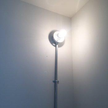 このお部屋の照明は全部豆電球。かわいい。※写真はクリーニング前のものです