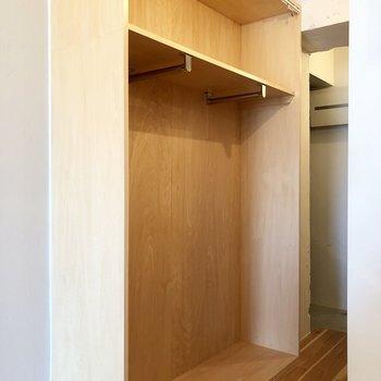廊下にあるのはオープンクローゼット