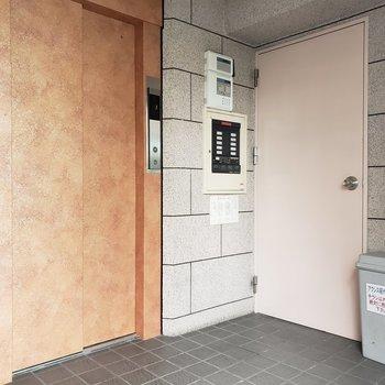 エレベーターは1つ。
