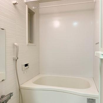 浴室乾燥、追い炊き付きのお風呂。設備揃ってるの嬉しい〜
