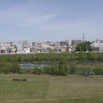 豊平川〜癒される♪花火も見れちゃう絶好のロケーション!