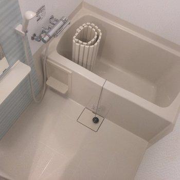 水色ボーダーがかわいいです。※写真は2階の同間取り別部屋のものです