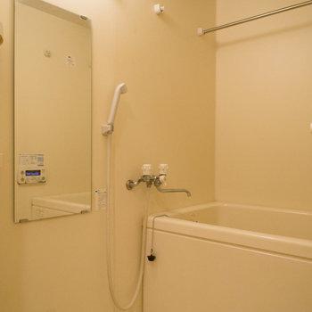 追い炊き&浴室乾燥機が嬉しい♪※写真は4階の同間取り別部屋のものです