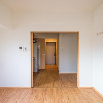 天井が高いので、空間もゆったり感じますよ♪※写真は4階の同間取り別部屋のものです