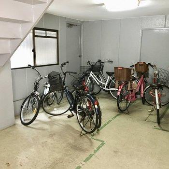 共用部】自転車置き場は雨の心配なし!