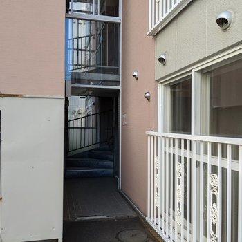 2箇所入り口があります。今回のお部屋は奥側の入り口です。