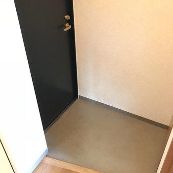 玄関はこちら※写真は同間取り別部屋