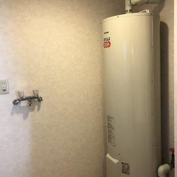 電気温水器のタンク※写真は同間取り別部屋