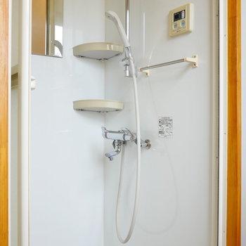 シャワールームも。