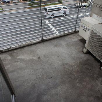 バルコニーもゆったりですよー※写真は3階の反転間取り別部屋のものです