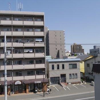 5階のベランダからの眺望です!