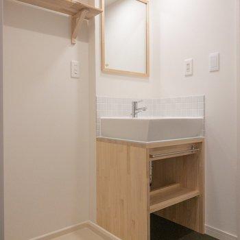 ナチュラルデザインの素敵な洗面台