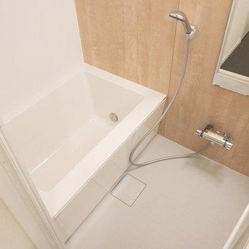 お風呂も新設ですよ〜!