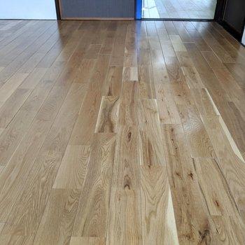 この床色、個人的に好みです♡(※写真は清掃前のものです)