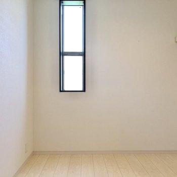 WICにベット置いて寝室にもできる広さ。