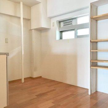 冷蔵庫、食器棚を置くスペースもしっかり。