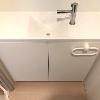 ちょこんと手洗い場もありますよ◎※写真はクリーニング前のものです