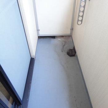 バルコニー※写真は1階の同間取り別部屋のものです