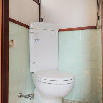 トイレはしっかり個室ですよ