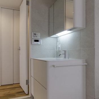 汎用性の高い洗面台。